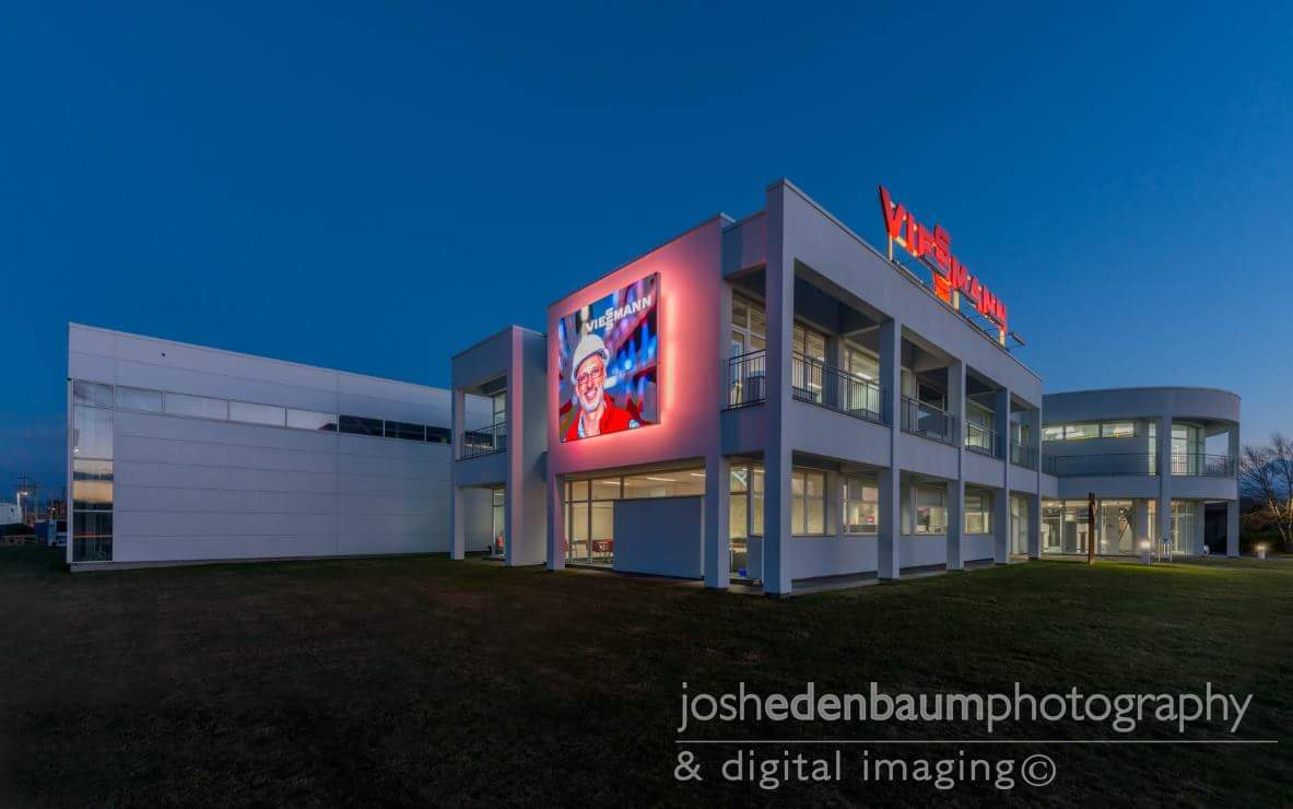 QST: Large LED screen installation for Viessmann USA HQ off I-95.