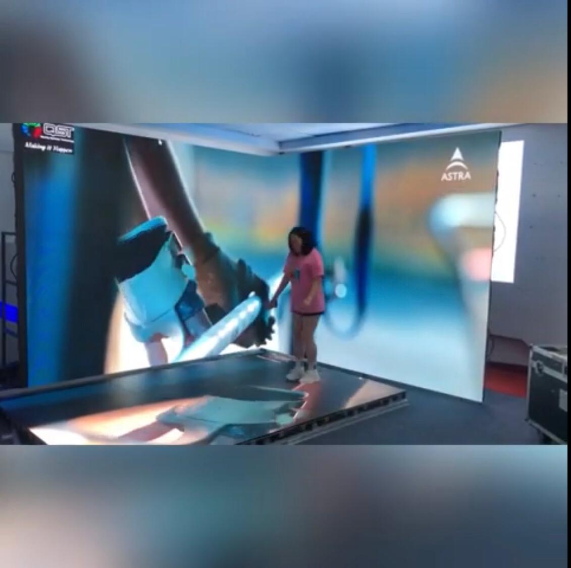 Nano™2.9 Holodeck Experience